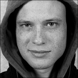 Erik Ravelo